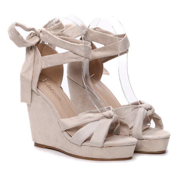 d0386cc65616 ... Beżowe sandały na koturnie Matilda- Obuwie Kliknij