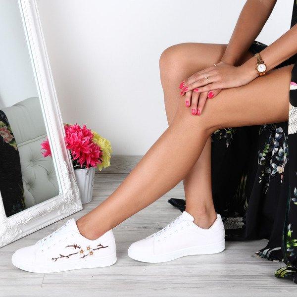 b1476d247c7b7 Białe tenisówki z haftem w kwiaty Joy- Obuwie - Biały | Royalfashion ...