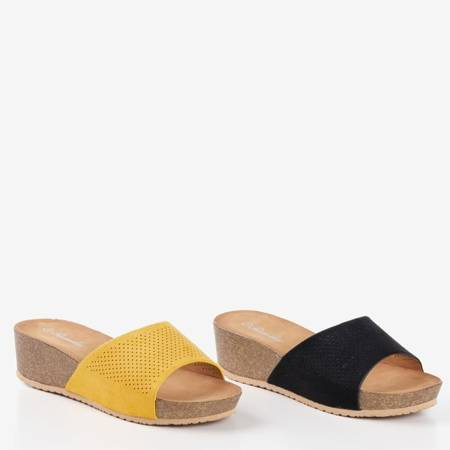 Ażurowe klapki na koturnie w kolorze żółtym Giorgia - Obuwie