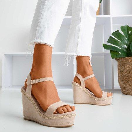 Beżowe sandały na koturnie Demetera - Obuwie