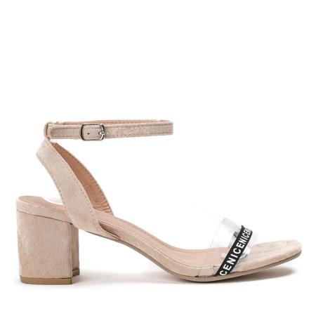 Beżowe sandały na słupku z przezroczystą wstawką Angelita - Obuwie