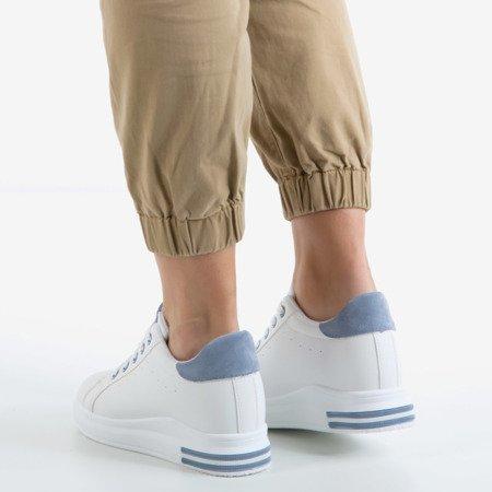 Białe buty sportowe na krytym koturnie z niebieskimi wstawkami Sliomenea - Obuwie