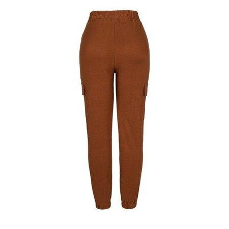 Brązowe spodnie cargo z kieszeniami - Spodnie
