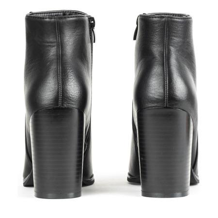 Czarne botki na słupku Shani - Obuwie