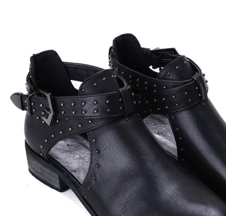 Czarne botki z wycięciami Kayla- Obuwie