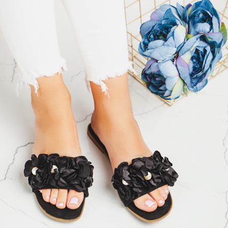 Czarne klapki z ozdobnymi kwiatkami Flussia - Obuwie