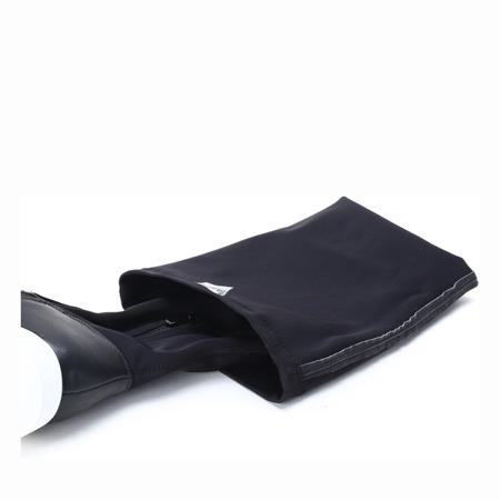 Czarne kozaki w sportowym stylu - Obuwie