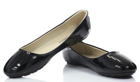 Czarne, lakierowane baleriny - Obuwie