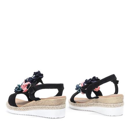 Czarne sandały na niskiej koturnie z ozdobami Florensia - Obuwie