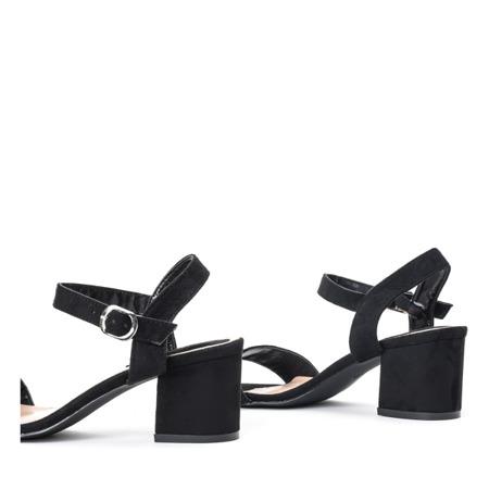 Czarne sandały na słupku Sula - Obuwie