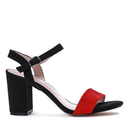 Czarne sandały na słupku z czerwonym paseczkiem Tribanah - Obuwie