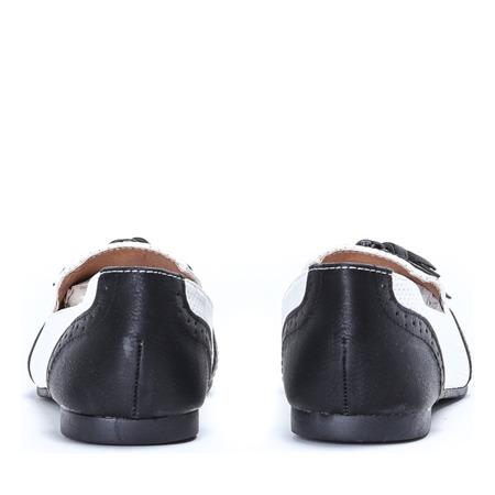 Czarno-ecru mokasyny stylizowane- Obuwie