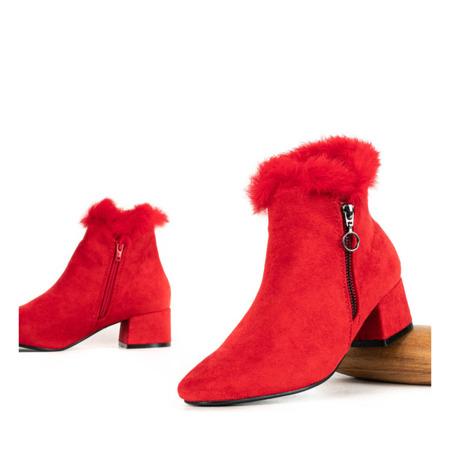 Czerwone botki na słupku z futerkiem Yesenia - Obuwie