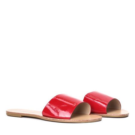 Czerwone klapki na płaskiej podeszwie Austis - Obuwie