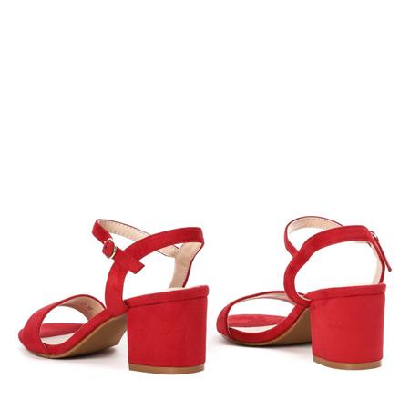 Czerwone sandały na niskim słupku Julietta - Obuwie