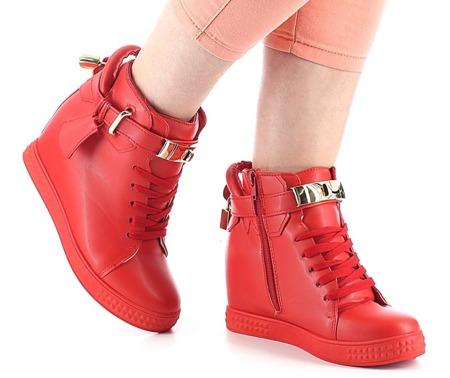 Czerwone sneakersy na koturnie - Obuwie