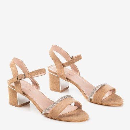 Jasnobrązowe sandały na słupku z cyrkoniami Aminsa - Obuwie