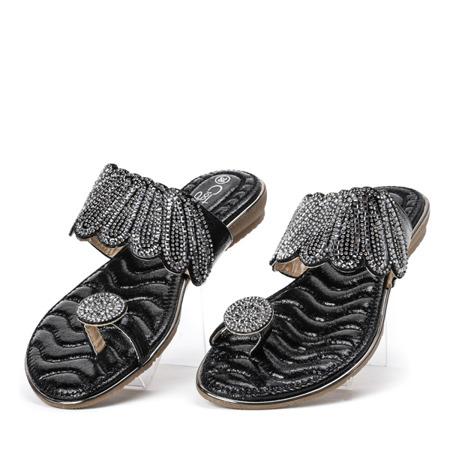 Klapki z ozdobami w kolorze czarnym Precious - Obuwie