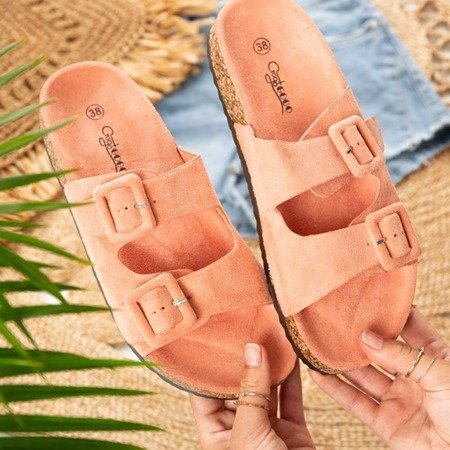 Koralowe damskie klapki z klamrami Recasa - Obuwie
