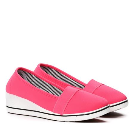 Neonowo-różowe slip-on na koturnie Serena- Obuwie