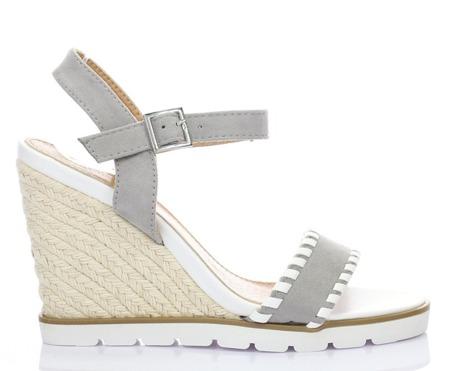 Szare sandały na koturnie - Obuwie