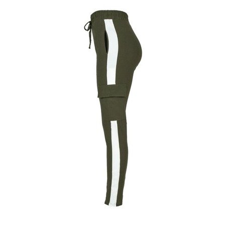 Zielone spodnie dresowe z lampasami - Spodnie