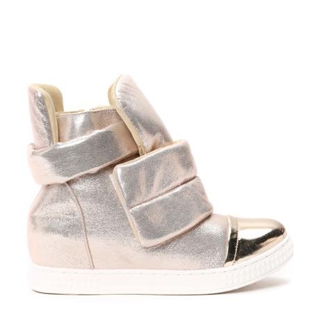 Złote sneakersy na krytym koturnie - Obuwie