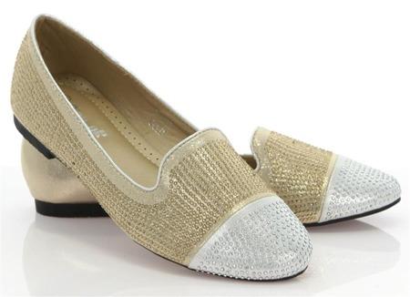 Złoto-srebrne mokasyny z ozdobnymi dżetami - Obuwie