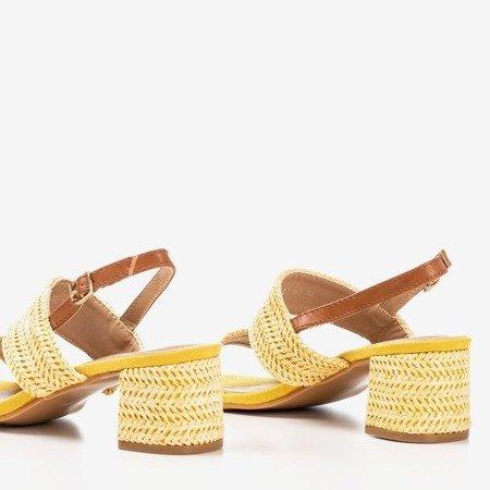 Żółte sandały na niskim słupku Riota - Obuwie