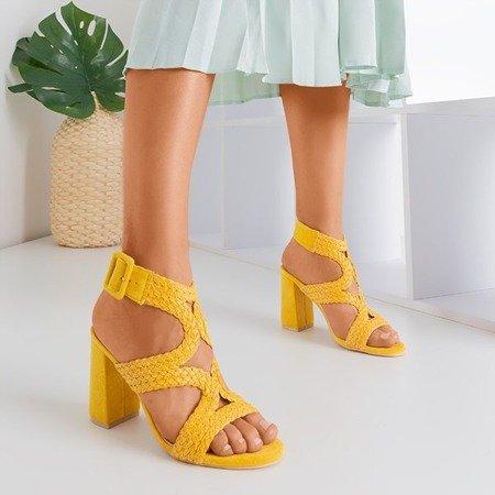 Żółte sandały na wyższym słupku Viesia - Obuwie