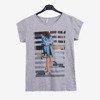 Szary t-shirt damski z printem - Odzież